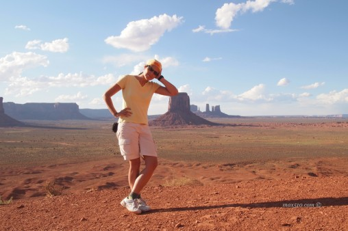 Laura take rest in the Monument Valley
