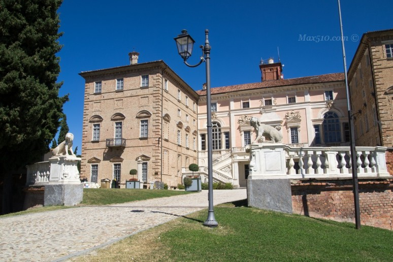 Castello di Govone