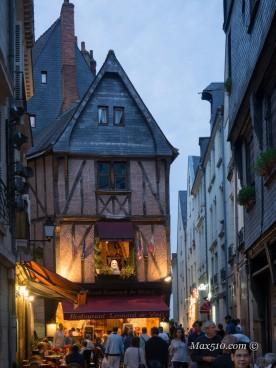 Place Plumereau Tours